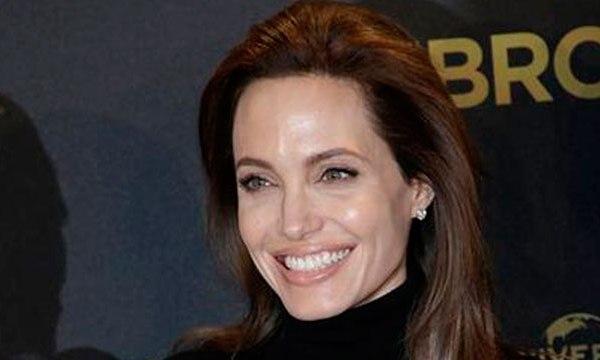 Angelina Jolie_35909
