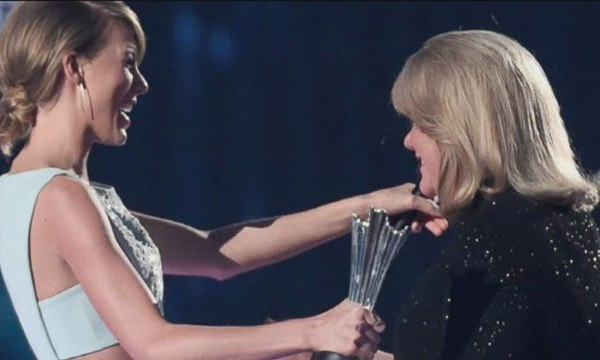 Taylor Swift and mom Andrea_43197