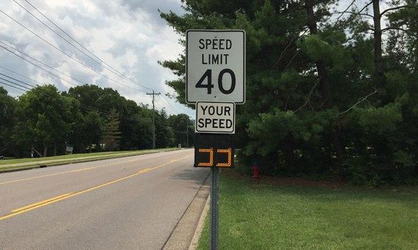 Brentwood speeder signs_63817
