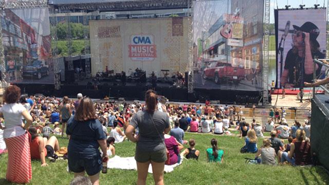 CMA Fest fans_58474