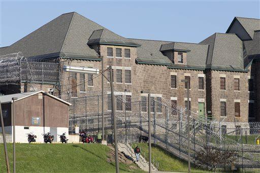 Escaped Prisoners_63695