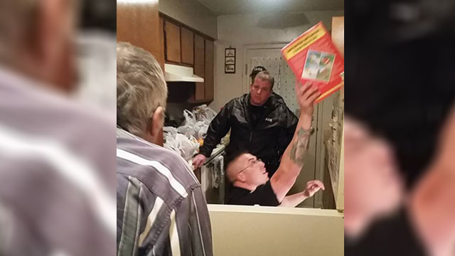 Mt Pleasant Police buys groceries for man_248282