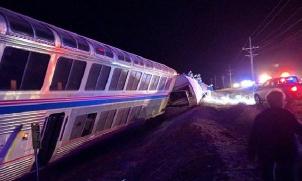 Amtrak train derails in Kansas early 3_14_266369