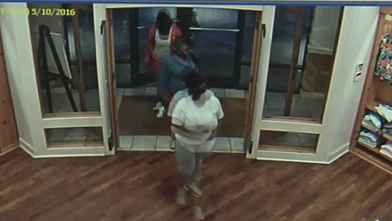 lebanon shoplifters at outlet mall_284161