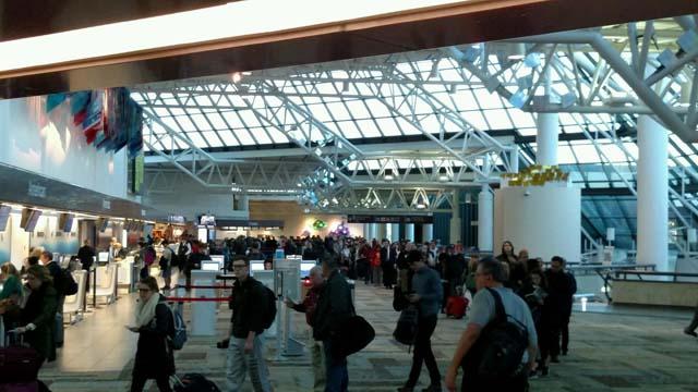 Line at Nashville International Airport_263875