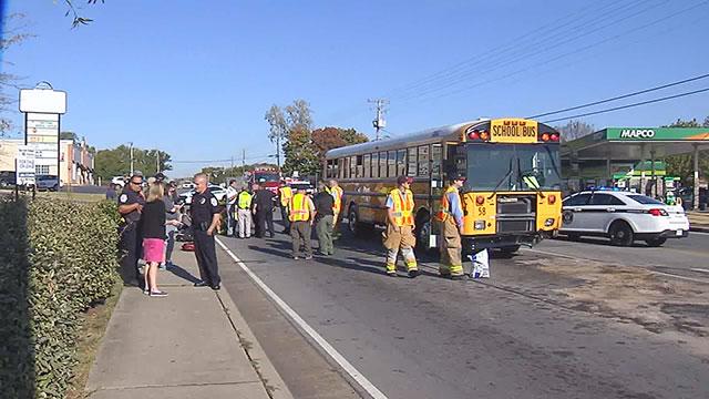 Smyrna school bus crash_328903