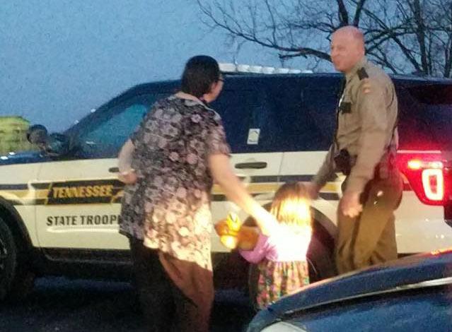 THP trooper saves Christmas_348672