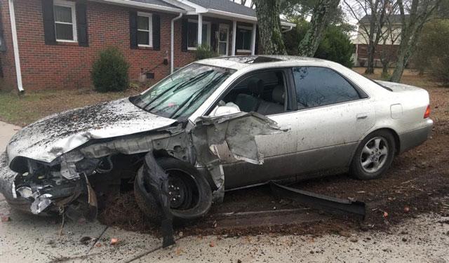 Bizarre Smyrna crash_350494