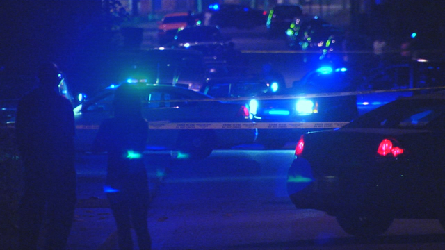 17th Avenue barricaded suspect_402301