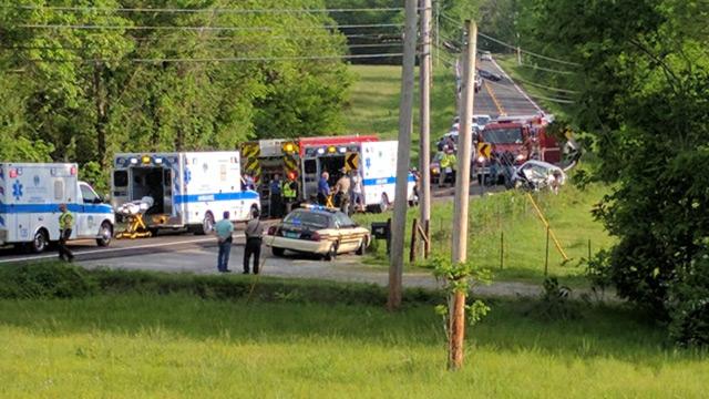 Campbellsville Pike crash in Columbia_405120