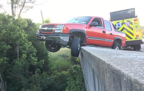 Briley Parkway truck on bridge_417028