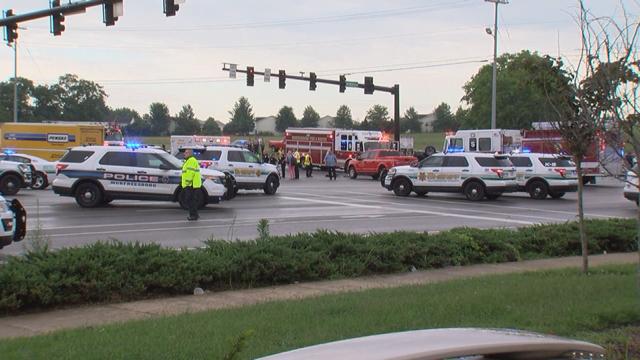 Multi-county pursuit of burglary suspect ends in Murfreesboro crash_420704