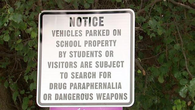 No guns on school property_429083
