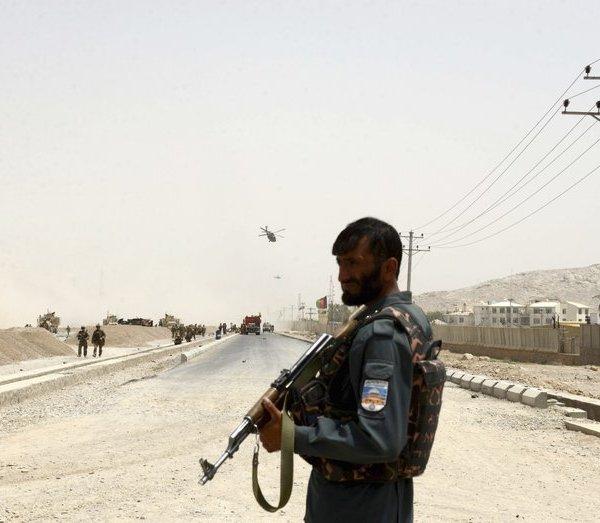 Afghan policeman_430863