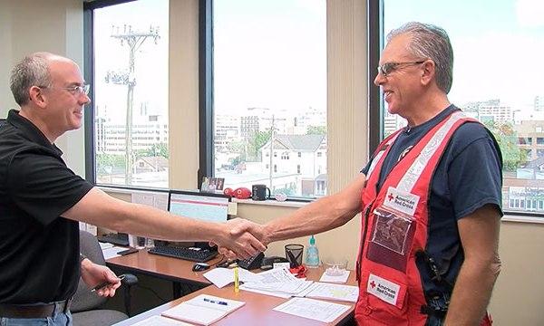 Red Cross volutneer_441671