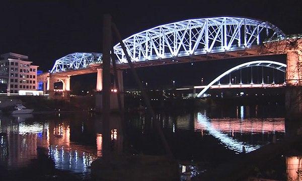 Pedestrian bridge shelby street downtown Nashville cumberland river generic_462585