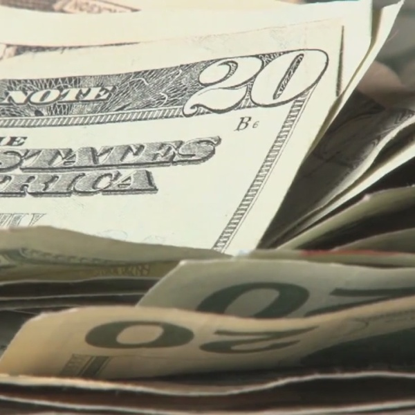 Scam leaves Tennessee elderly woman's bank account empty