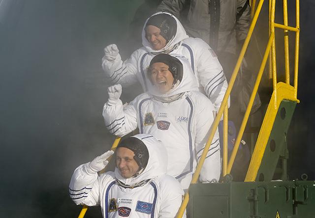 Anton Shkaplerov,Scott Tingle,Norishige Kanai_469840