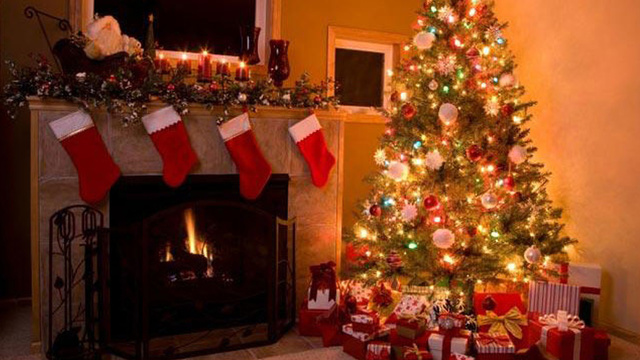 christmas-stockings-fireplace-holiday-christmas-tree_1513899484101_325387_ver1-0_30462887_ver1-0_640_360_471011