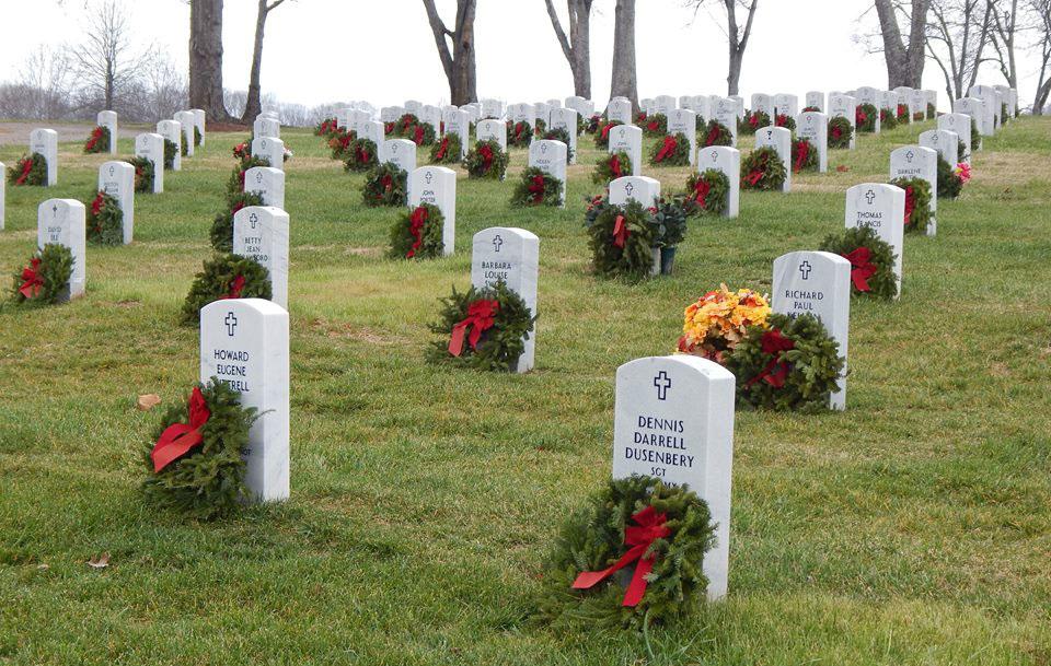 Wreaths Across America_469403