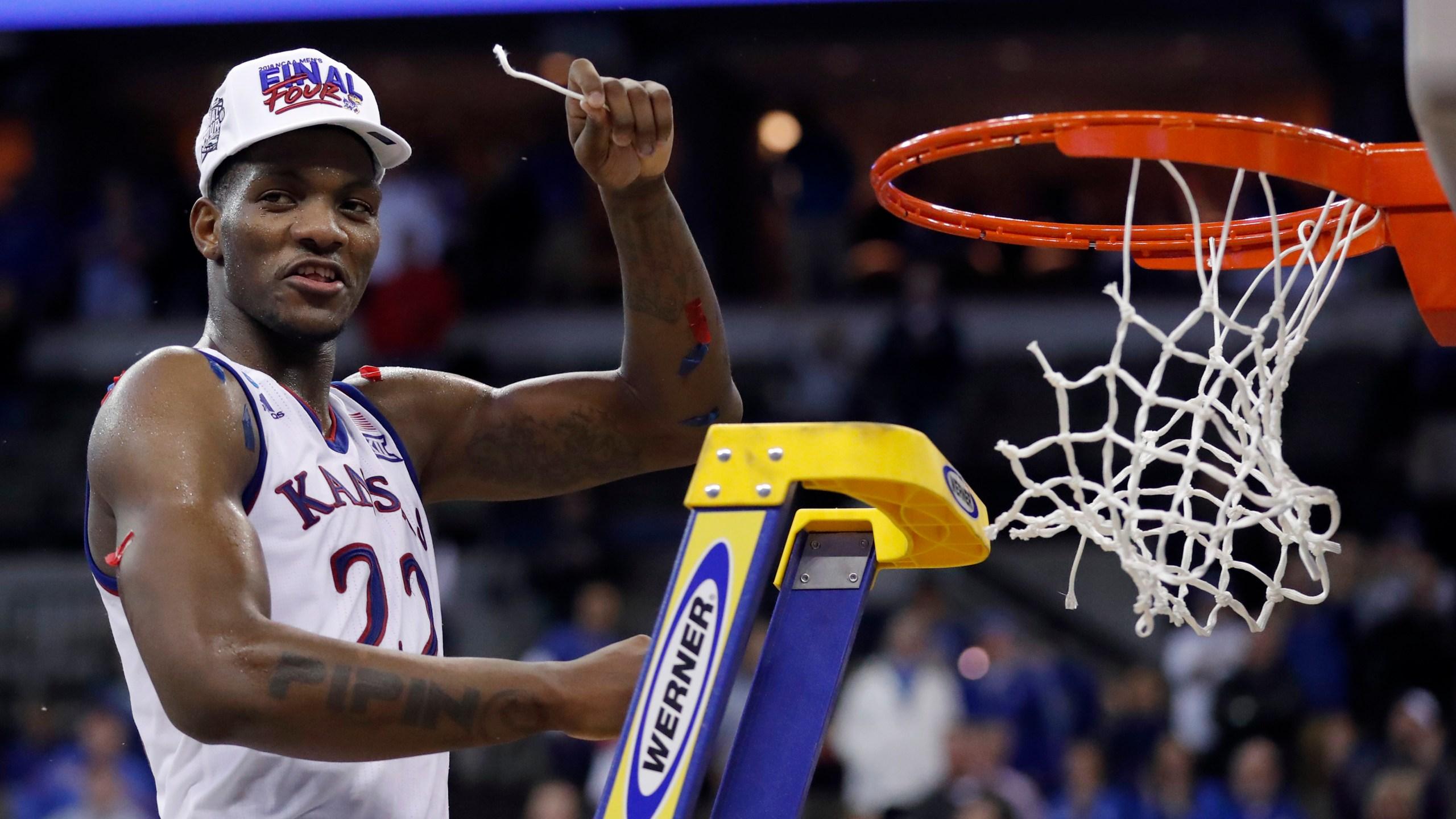 NCAA Duke Kansas Basketball_1522034355180