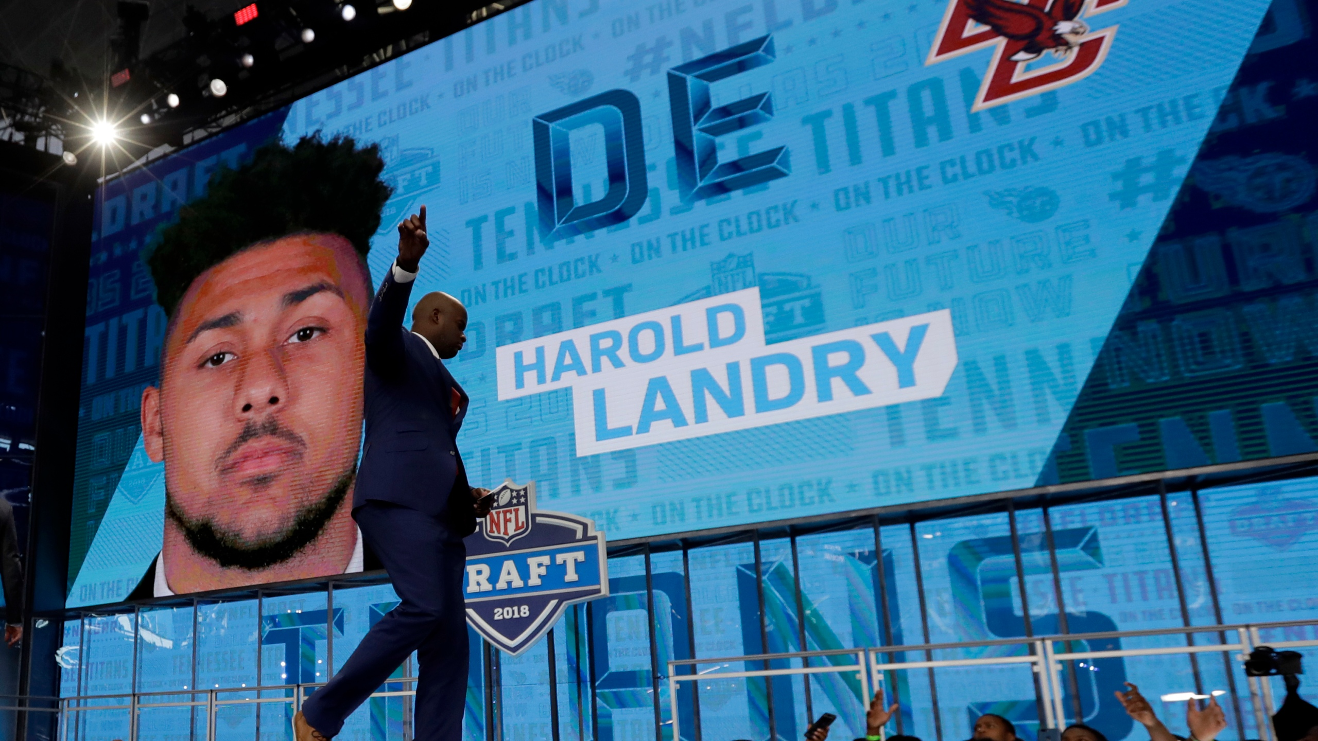 NFL Draft Football_1524875157228