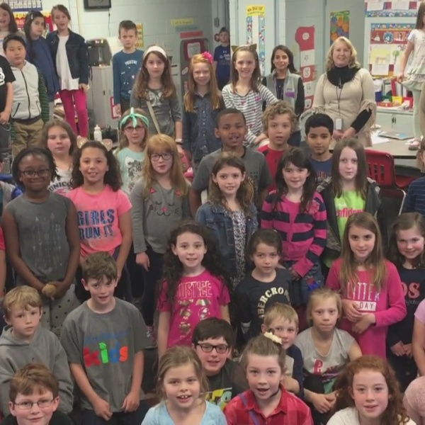 Danielle_Breezy_visits_2nd_graders_at_Di_2_20180412001724