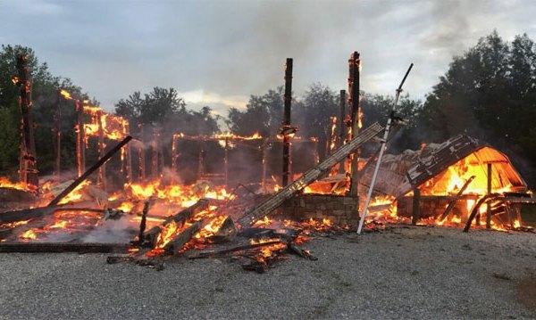 brentwood-lightning-fire_1526696730969.jpg