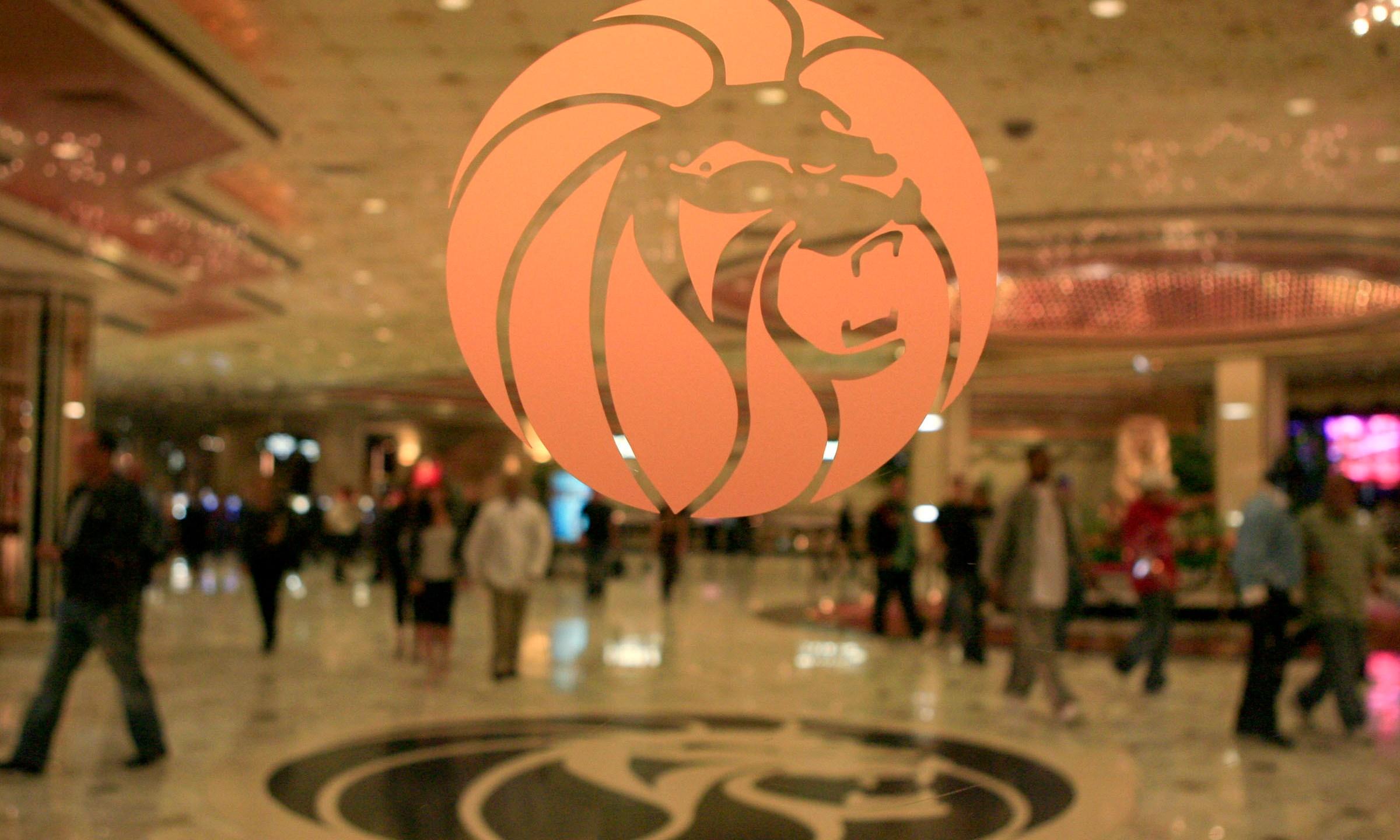Las_Vegas_Shooting_MGM_08983-159532.jpg36060727