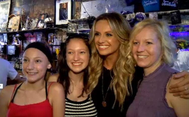 Carly Pearce and fans at Tootsies_1533159619387.JPG.jpg