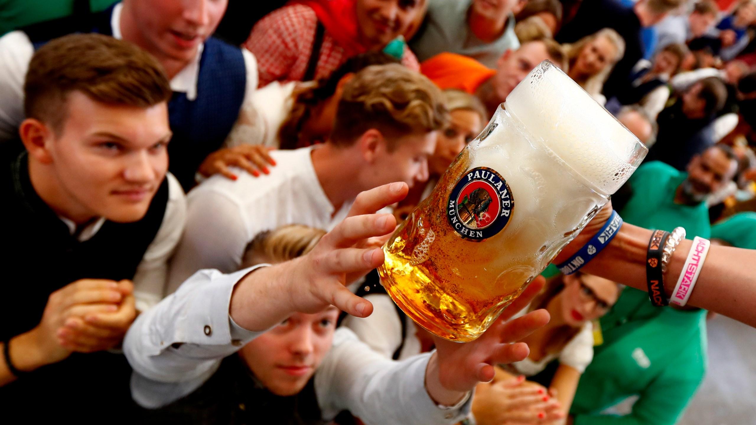 Germany Oktoberfest Opening_1537672978012