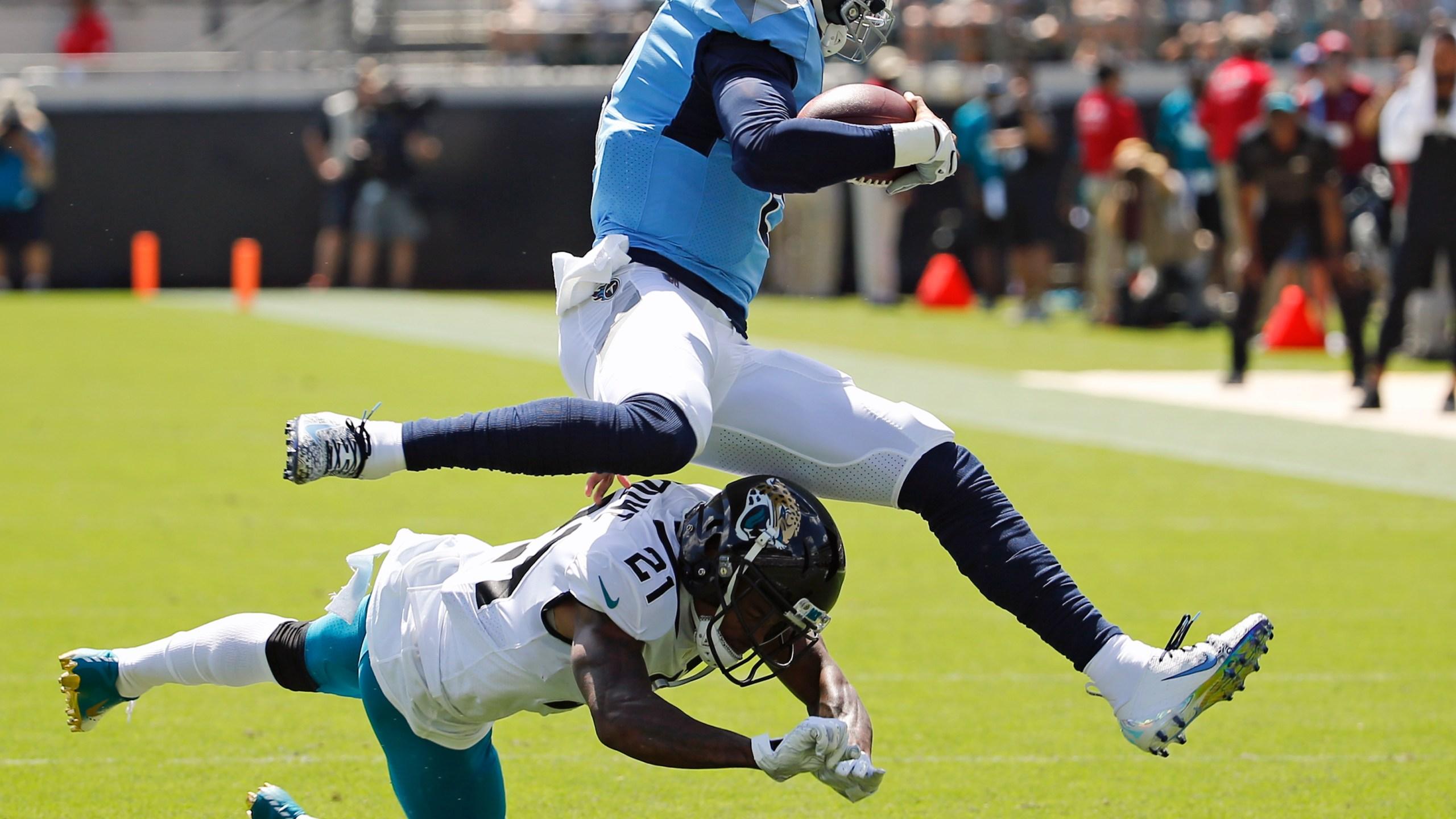 Titans Jaguars Football_1537735101370