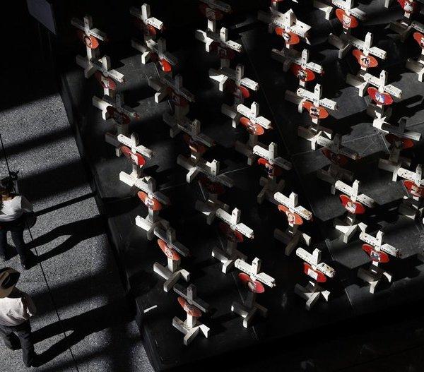 Las Vegas shooting memorial crosses.jpg