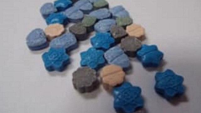 blue-meth-halloween-candy_1540725910167_60438448_ver1.0_640_360_1540763665336.JPG