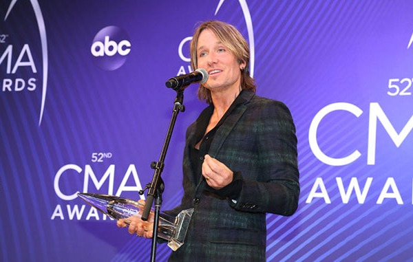 Keith Urban Backstage