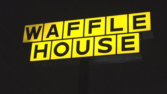 Waffle House employee gives CPR to man who overdosed