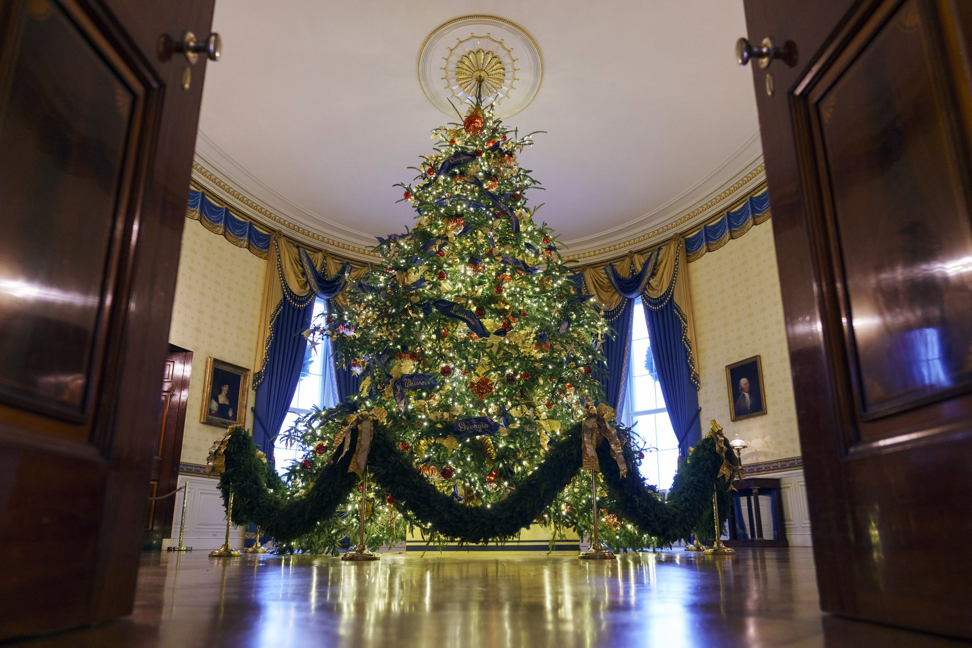 white house christmas_1543255290305.jpeg.jpg