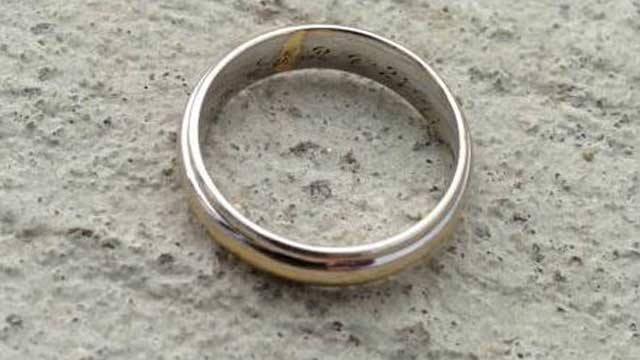 wedding ring generic