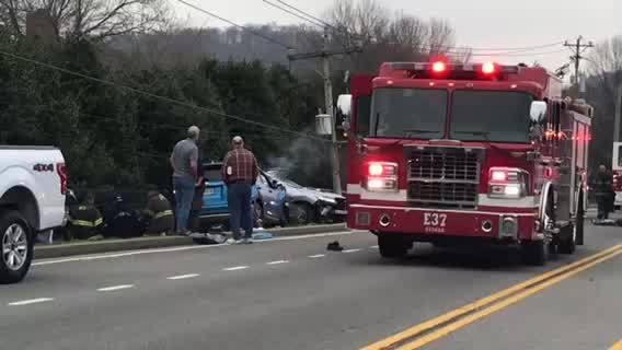 Crash on Hwy 100 near Ensworth High School