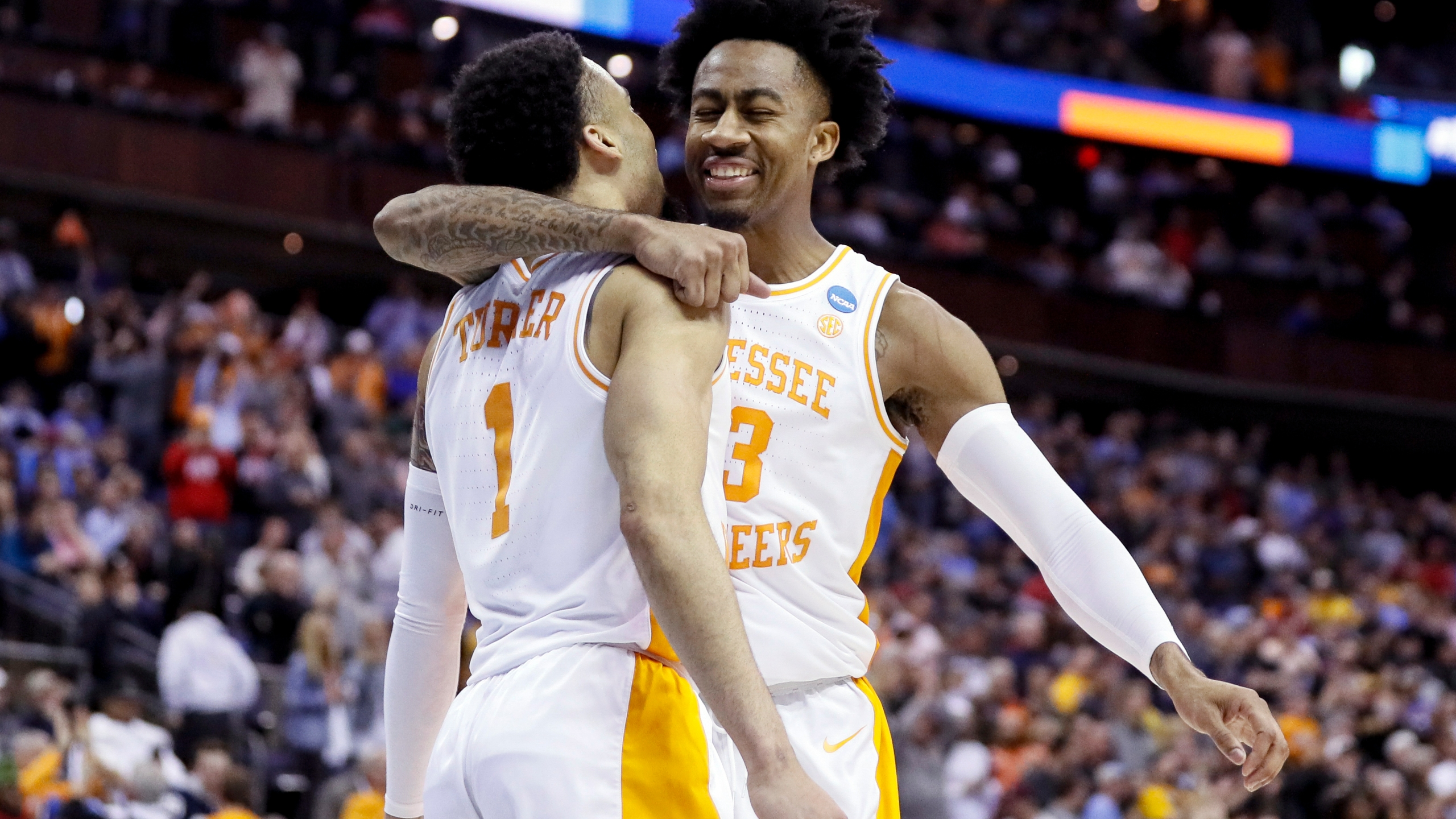NCAA Tennessee Iowa Basketball_1553458190039