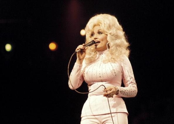 Dolly Parton 36-873703986-873703986