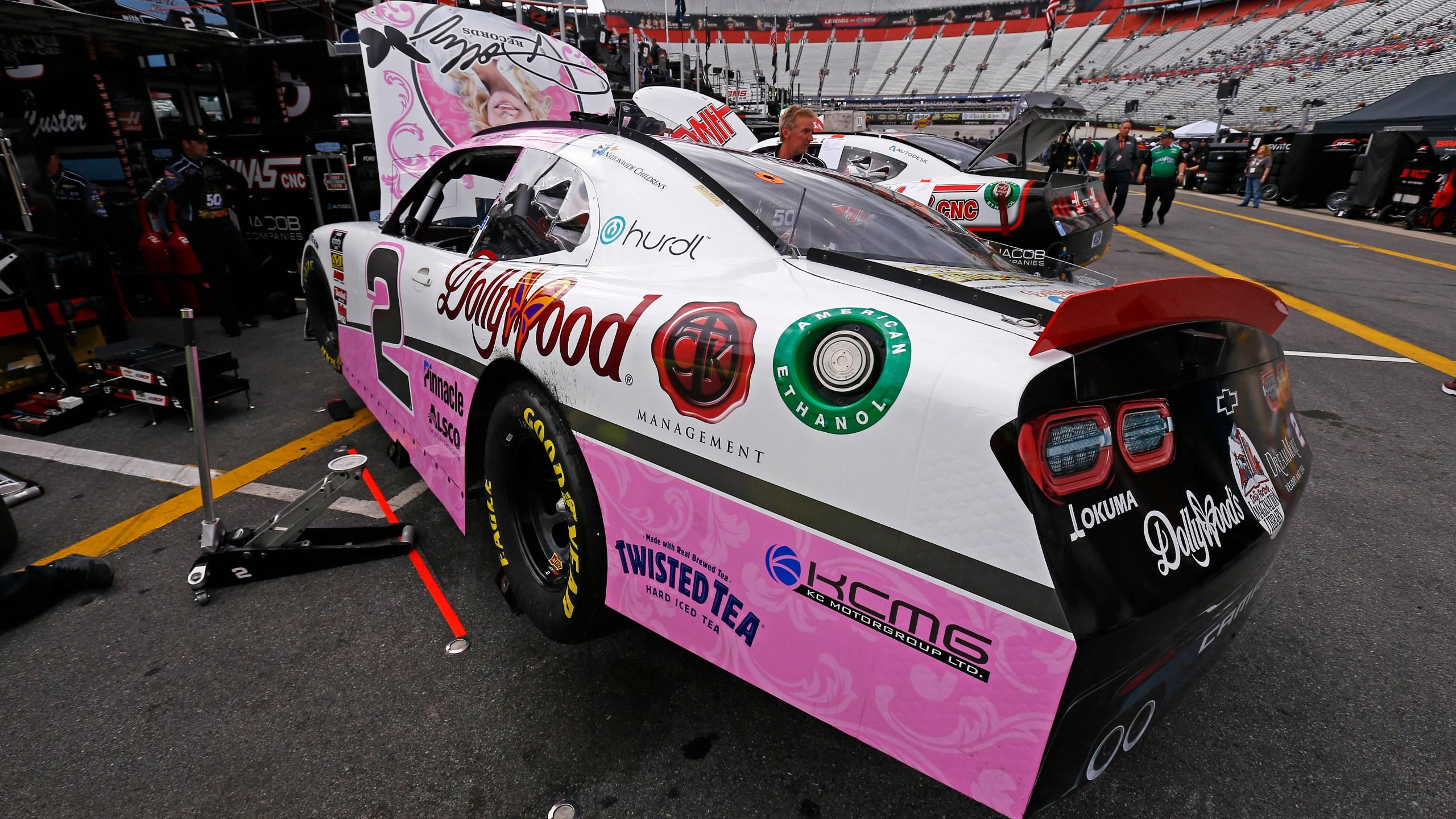NASCAR-Dolly Parton Car_1554511359540