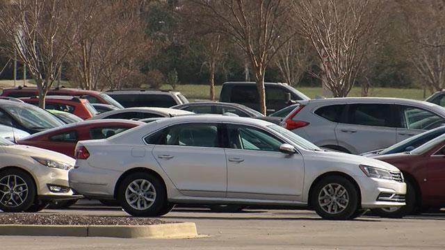 Parking lot car thefts generic_468637