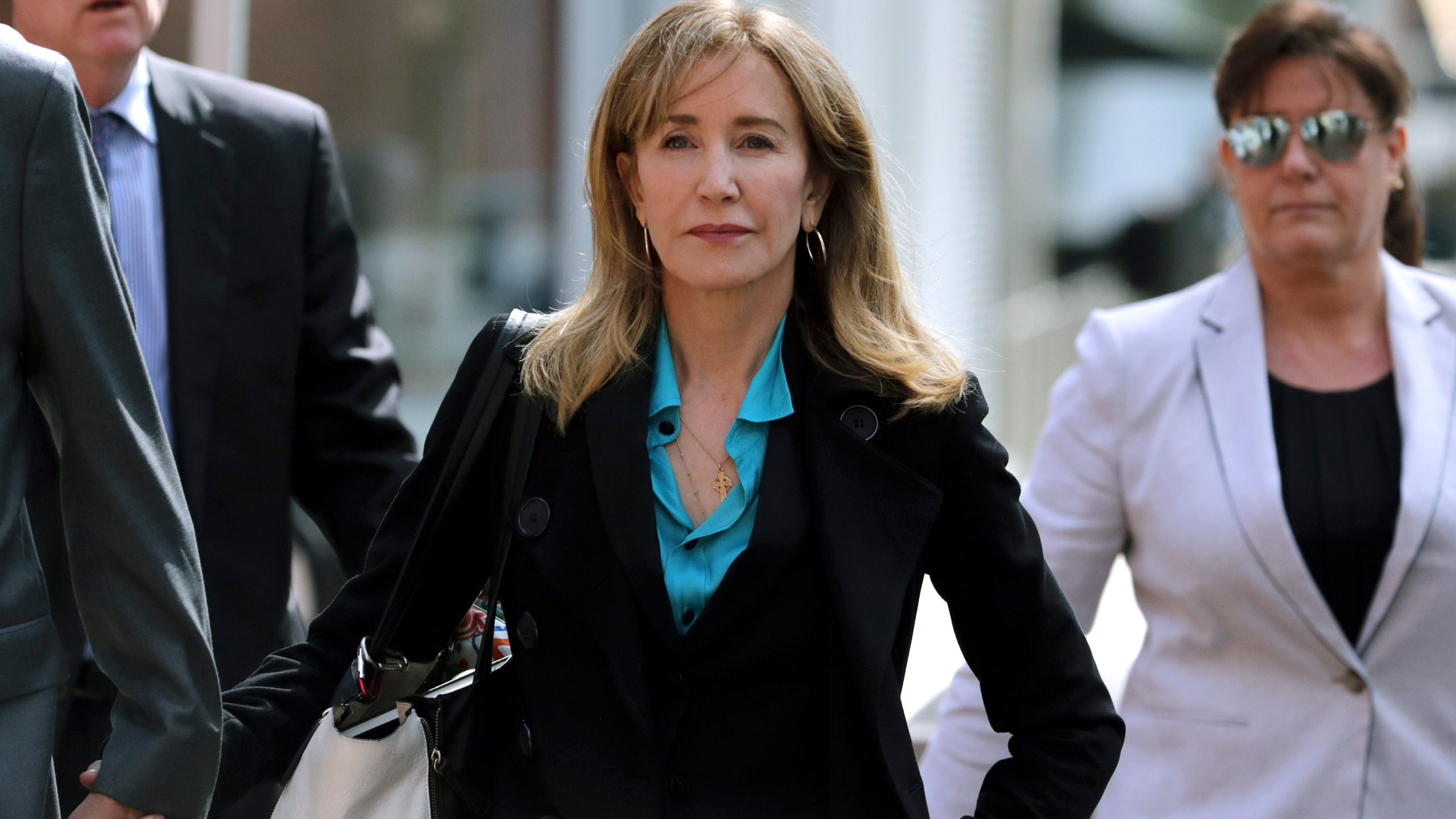 College_Admissions-Bribery_-_Felicity_Huffman_96961-159532.jpg79321062