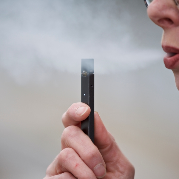 Juul_Unproven_Ads_72205-159532.jpg81033228