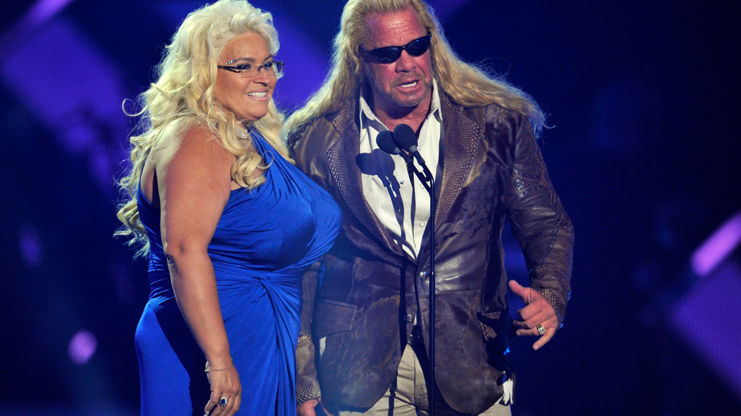 Beth Chapman Wife Of Dog The Bounty Hunter Dies Of Cancer At
