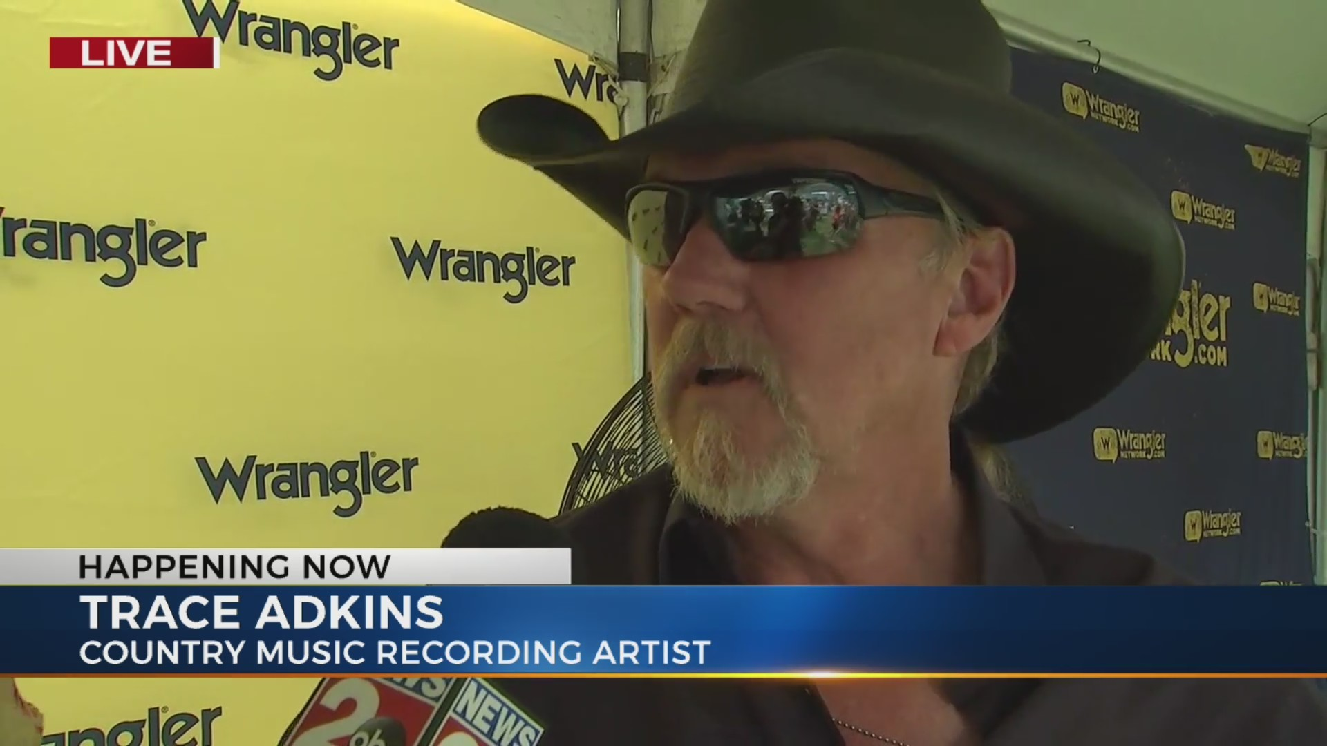 CMA preps underway as country stars, fans arrive in Nashville