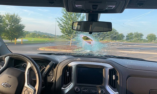 rock windshield I-65