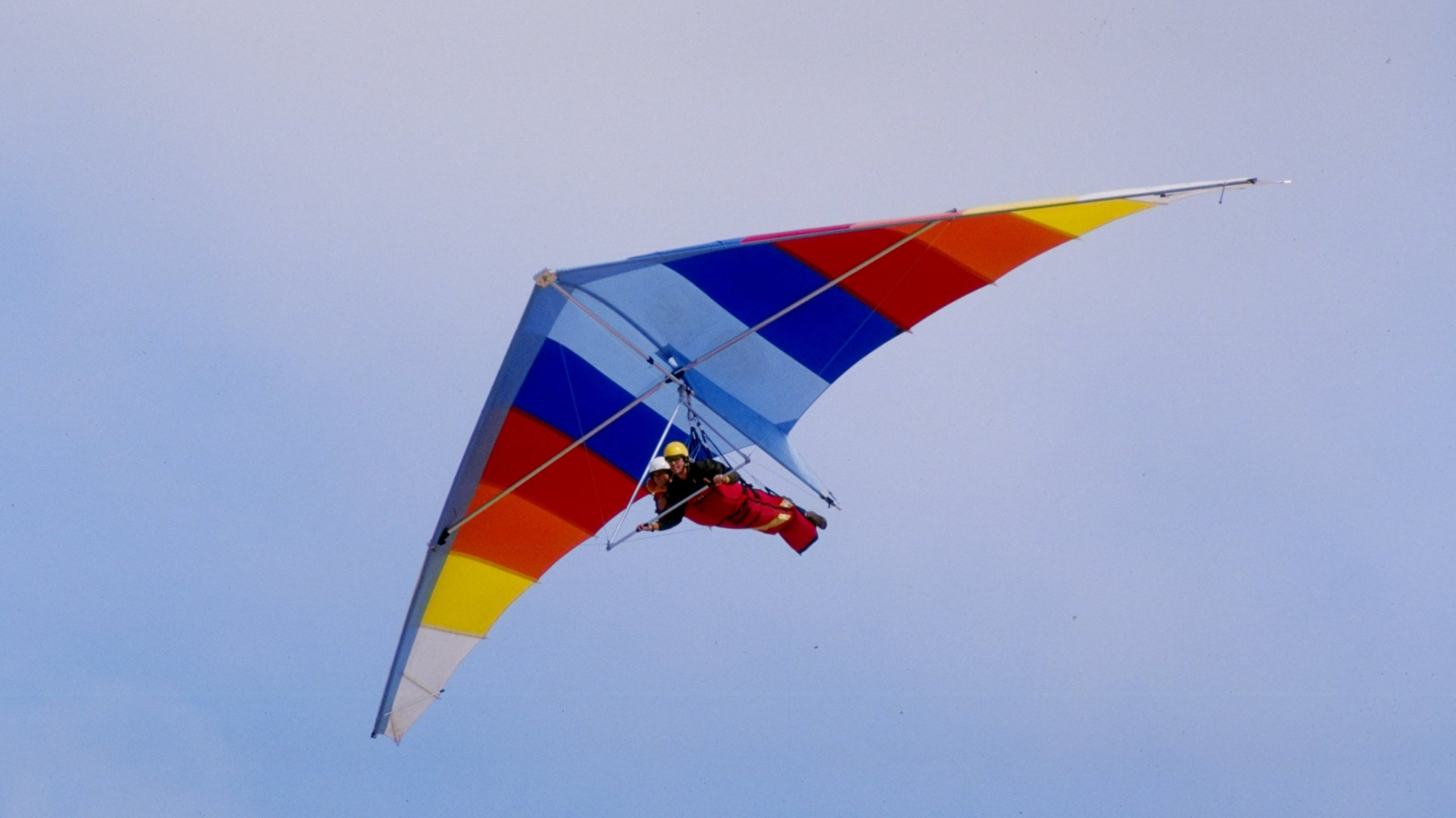 Man dies after hang gliding accident in East Tennessee