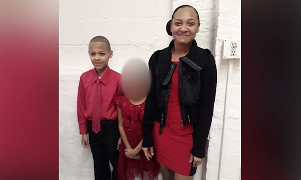 Jayden and Alexis Taylor with their younger sister